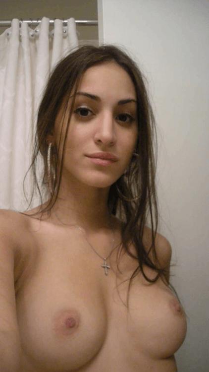 Kelly, nana sexy qui adore s'exhiber sur snap